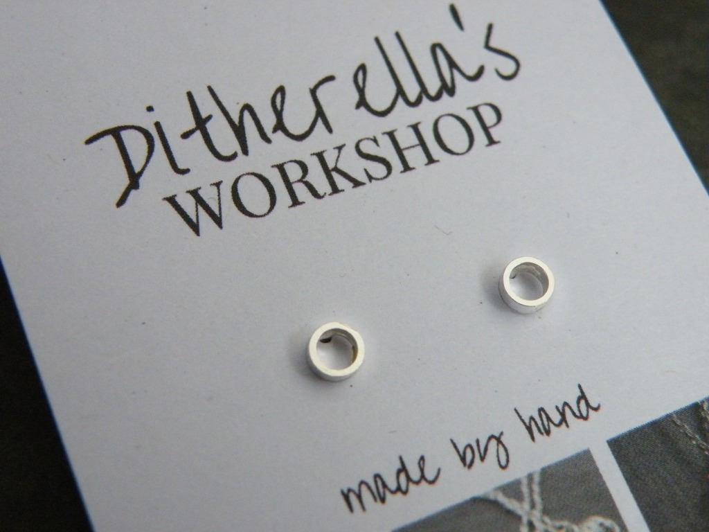 Studs small ring £15